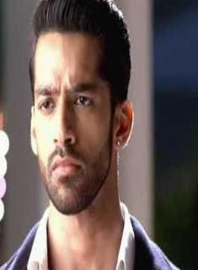Mehek: Shaurya heroic entry saving Mehek brother Mohit from fire