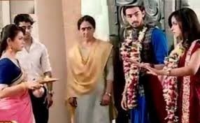 Saath Nibhana Saathiya: Ricky furious over Kokila for burning Sameera's western dresses