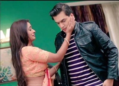 YRKKH: Suwarna vows to keep Naira Kartik separated amid